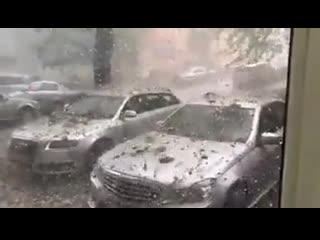 Дождь из камней
