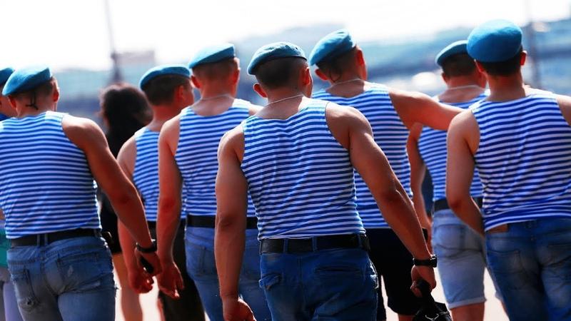И тут появились русские одетые только в полосатые рубашки рассказ солдата армии США