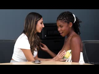 Gianna Dior, Hazel Grace  - Bore Your Daughter At Work Day [Lesbian]
