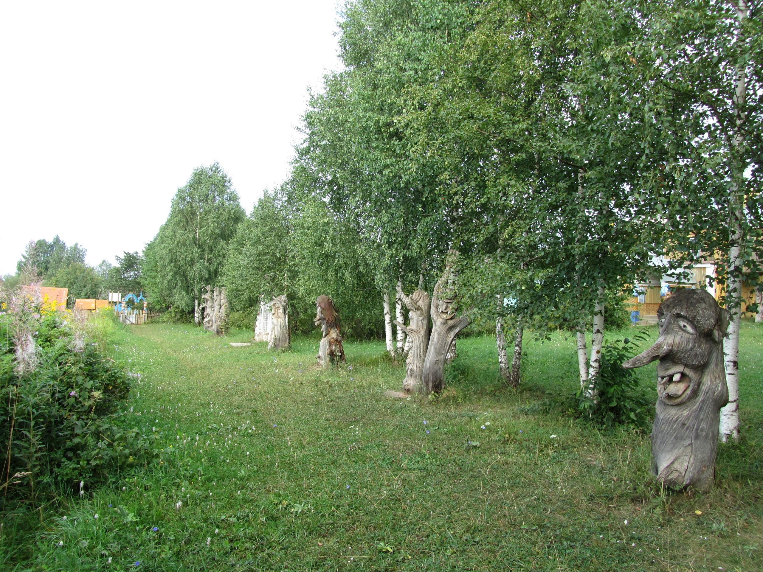 Деревянные скульптуры коми-пермяцкого производства