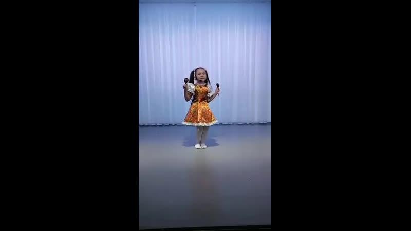 Песня Русские ложки Исполняет Евгения Новикова МАДОУ Нижнемуллинский детский сад Светлячок руководитель Попова Татьяна Вас