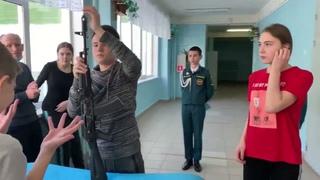 На базе ульяновской средней школы № 72 прошли III открытые состязания «Кадетские игры»
