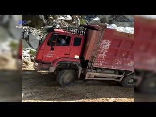 От нелепых до страшных видео грузовых автомобилей