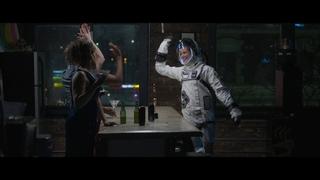 MANHATTAN SHORT Online Trailer in Russian