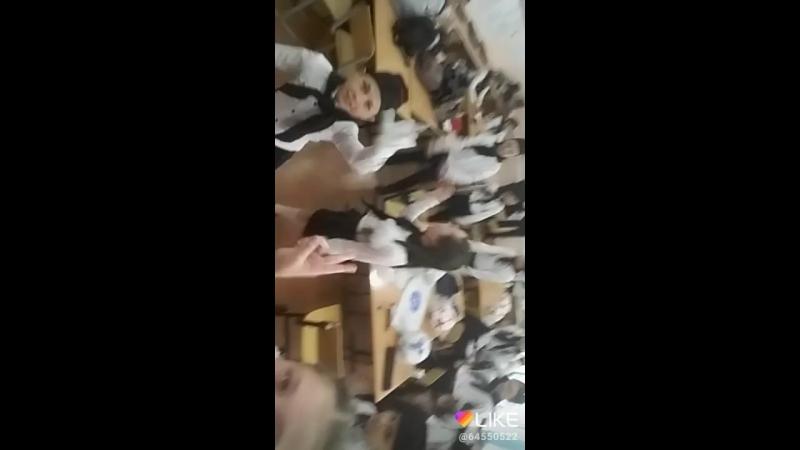 Когда класс помешан на Svish svish😂😂😂