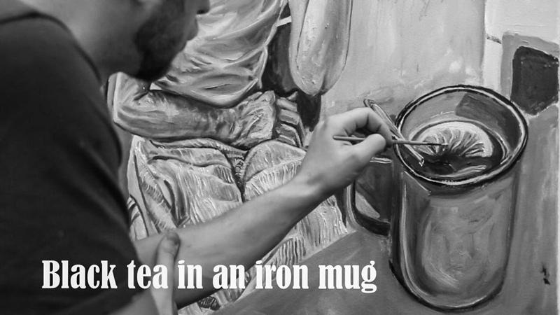 В железной кружке чёрный чай Black tea in an iron mug а за окошком месяц май timelapse art process