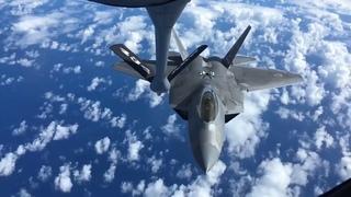 Полет истребителя F-22 Раптор (США)/Flight of the F-22 Raptor fighter (USA)