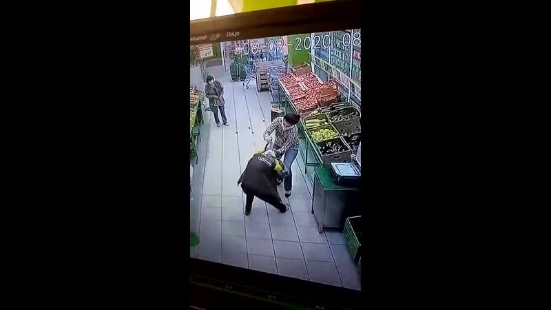 Бывшая Мисс Ульяновск с ножом напала на продавщицу