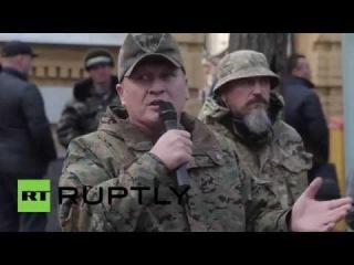 Украина: Иностранные боевики Киева требуют гражданство военного усилия в Донбассе.