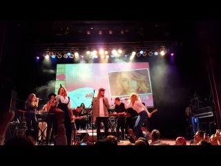 Rachel Platten, Leona Lewis, Allen Stone singing With A Little Help From My Friends