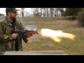 В память о  Калашникова американец сделал  700 выстрелов