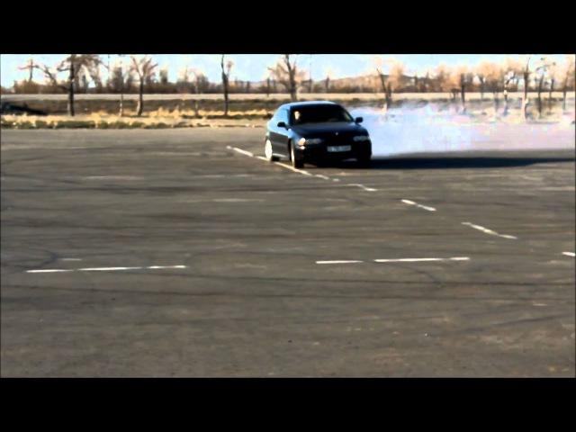 BMW e39 523i drift