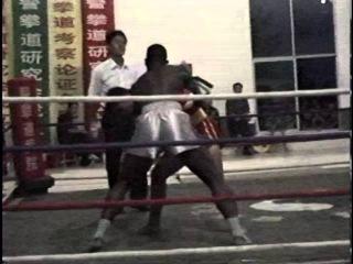 Кевин Росс в ушу-саньда, Китай, 2005 год (2-й бой - Энтони Велл)