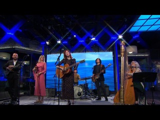 "Saturday Sessions: Karen Elson performs ""Wonder Blind"""