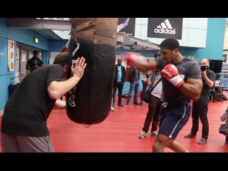 RAW POWER! - ANTHONY JOSHUA SMASHES THE HEAVY BAG - AS ROB McCRACKEN TALKS HIM THROUGH