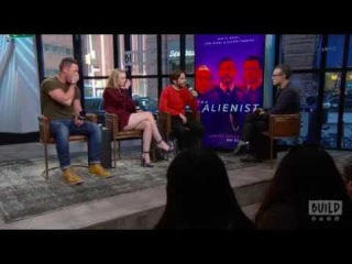 "Daniel Brühl, Dakota Fanning & Luke Evans Speak On ""The Alienist"""