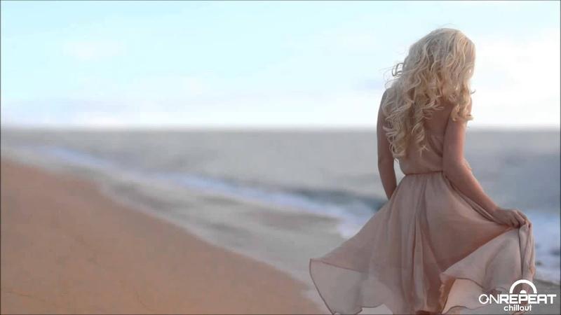 Magic Waves ft. Debora Vilchez | Algo Nuevo