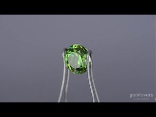 Гранат демантоид - редкий зеленый камень -  карат