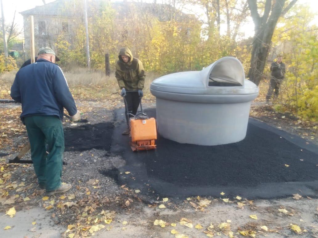 МКУ «Благоустройство»: В Таганроге установлены еще несколько контейнеров для сбора ТКО заглубленного типа