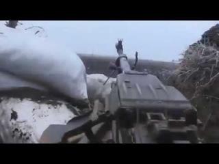 Украинские военные под обстрелом армии ДНР. Зона АТО / war in ukraine