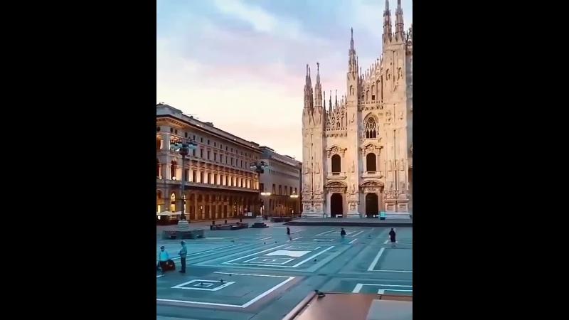 Площадь Пьяцца дель Дуомо главная площадь Милана Италия