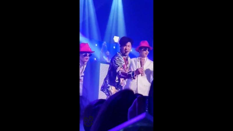 180429 부산 앵call! 콘서트 ROSE 로즈 - 아 너무 잘해 천상 아이돌 ㅠㅠ - 장우영 2PM