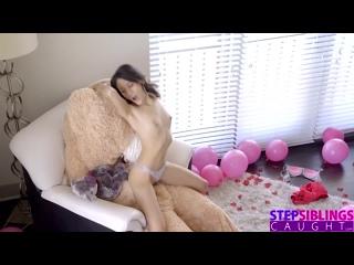 Брат переоделся в мишку Тедди и трахнул сестру - инцест порно секс porn hardcore xxx