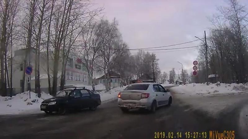 Хамоватые таксисты на дорогах Беломорска