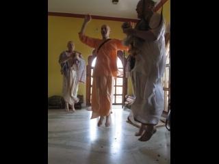 2 часть - Навадвипа 2019, В гостях у Гоурангабачалы и Атма-таттвы Прабху. Храм Шри Шри Радха Раман. .
