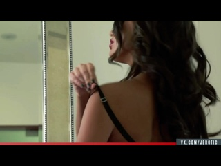 Jerotic - August Ames | The Man with the Golden Gun (16+)