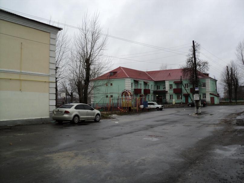 Типовая советская жилая архитектура 50-х годов в Белоомуте., изображение №7
