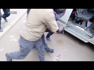 Сотрудники ФСБ и МВД задержали в Чечне двух участников банды Шамиля Басаева, которых подозревают в убийстве 15 российских военн