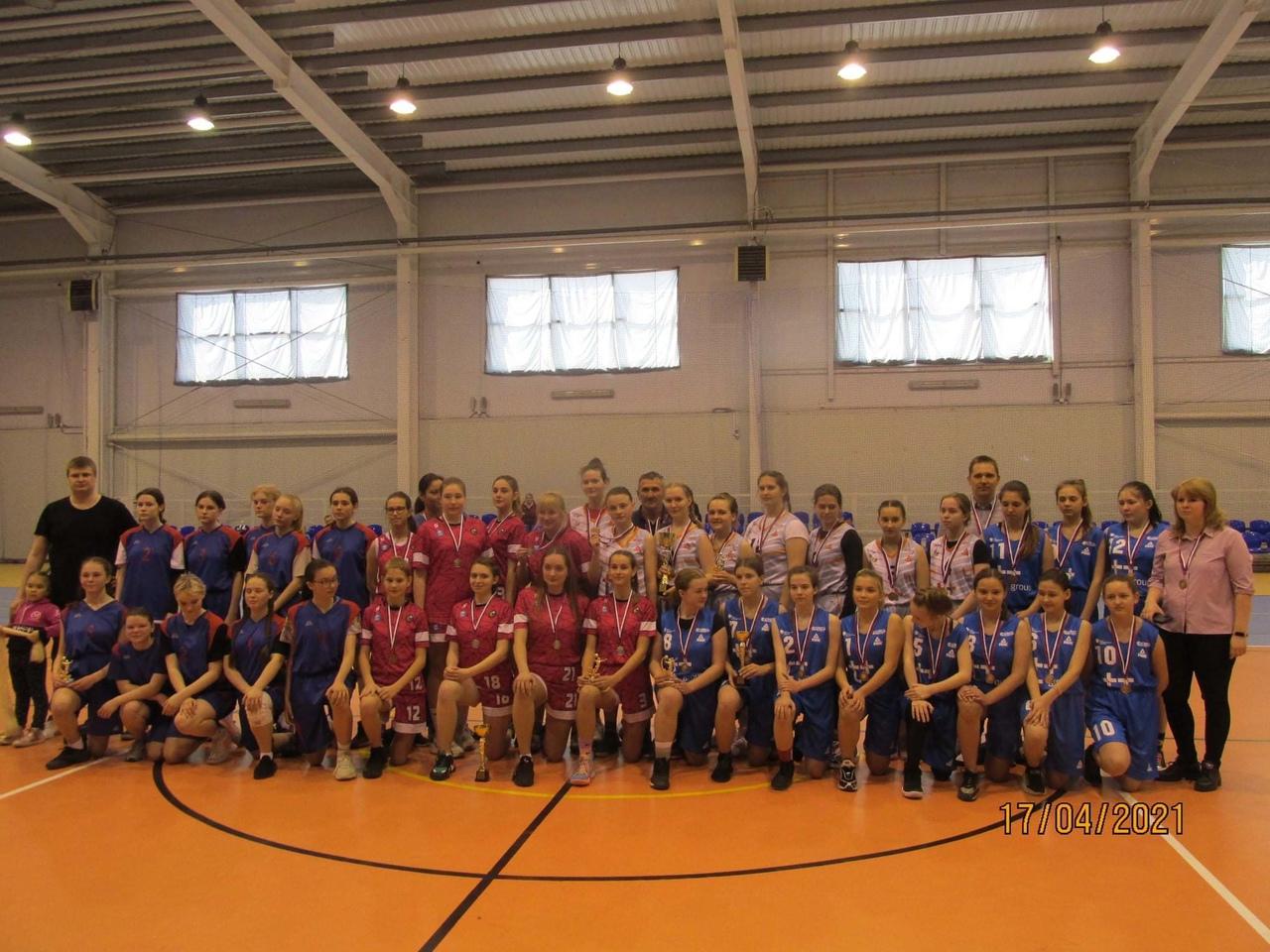 С 03 по 17 апреля 2021 года в г. Светлогорске состоялись соревнования первенства Калининградской области среди команд девушек до 16 лет и моложе. В соревнованиях приняли участие команды девушек г. Калининграда, г. Светлогорска, г. Черняховска и г. Зеленоградска.