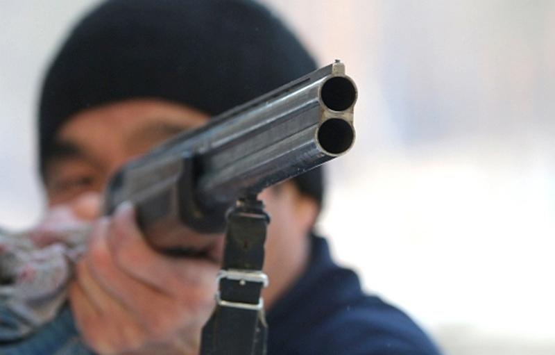 В Улан-Удэ пьяный мужчина под покровом ночи устроил стрельбу на балконе   Он до смерти перепугал... Улан-Удэ