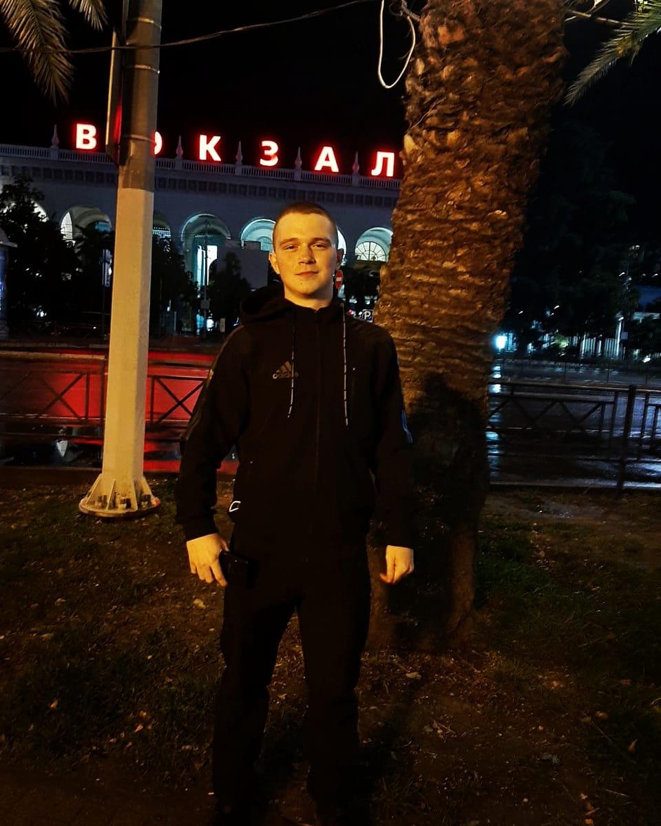 Анатолий, 20, Barnaul
