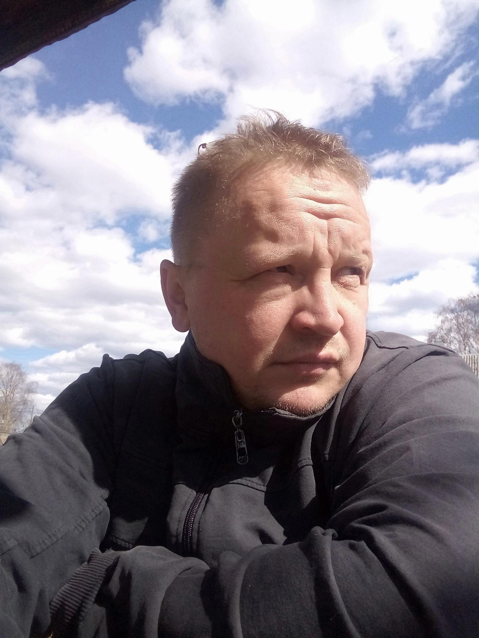 Василий, 45, Naftalan