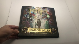 Harry Potter Diagon Alley A Movie Scrapbook | What's Inside? | ASMR Book Unboxing
