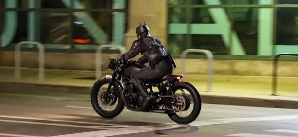 Свежие фото со съемочной площадки «Бэтмена»