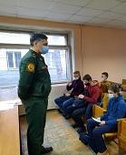 Выпускникам предлагают военные университеты