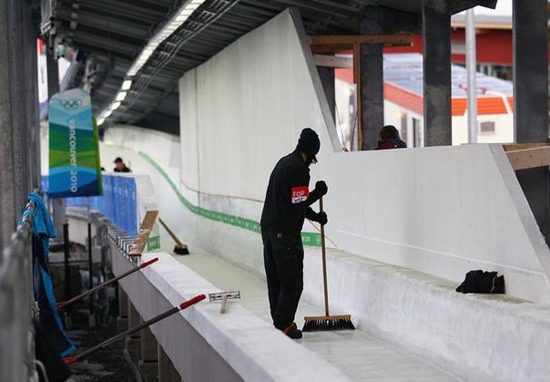 Последний вираж Нодара Кумариташвили. Уистлер (Британская Колумбия, Канада), 12 февраля 2010 года. Накануне зимней Олимпиады 2010 года всех саночников ждал неприятный сюрприз. Спортсмены заранее